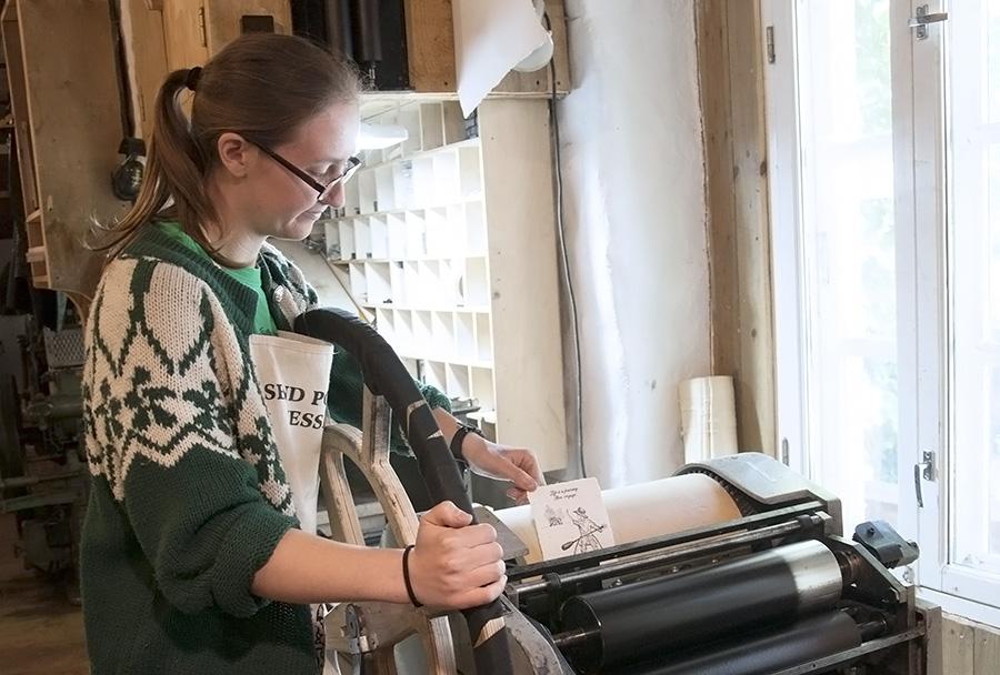 Labora's Makers: A Portrait of Hannah Harkes
